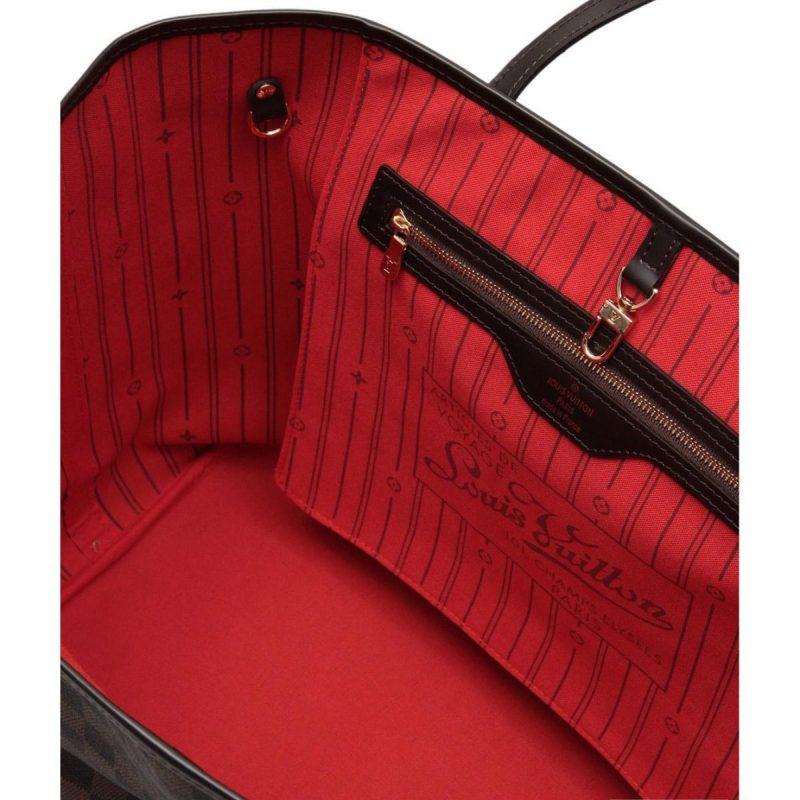 сумка с красной подкладкой