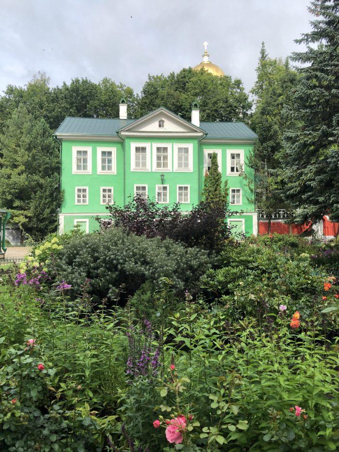 монастырь в Печорах