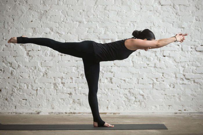 Туладандасана или поза весов в йоге