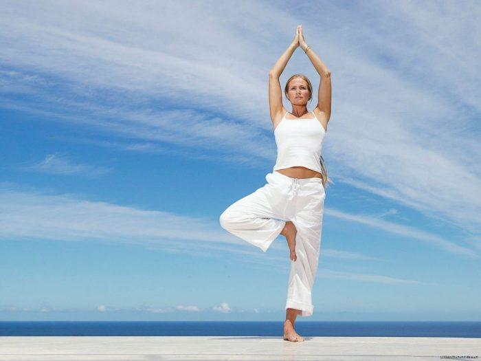 Врикшасана или поза дерева в йоге