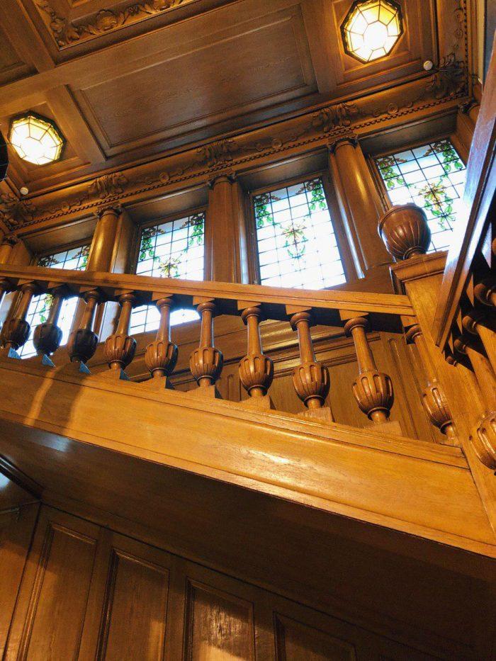 дубовая лестница особняк бранта