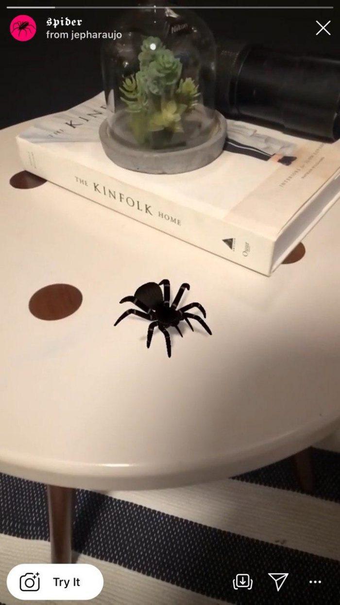 Маска с пауком в инстаграме