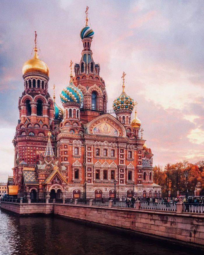Красивые церкви и соборы Санкт-Петербурга