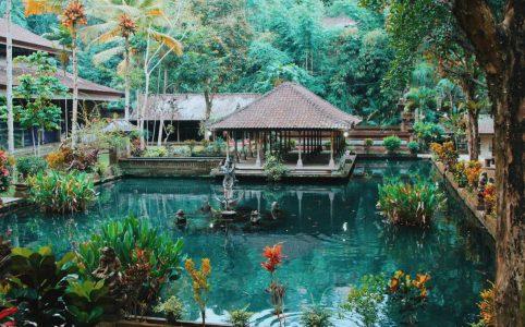 Маска в инстаграме Бали