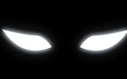 Маска со светящимися кошачьими глазами в ТикТоке
