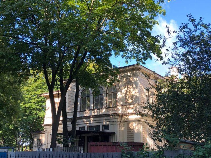 Лопухинский сад в Санкт-Петербурге