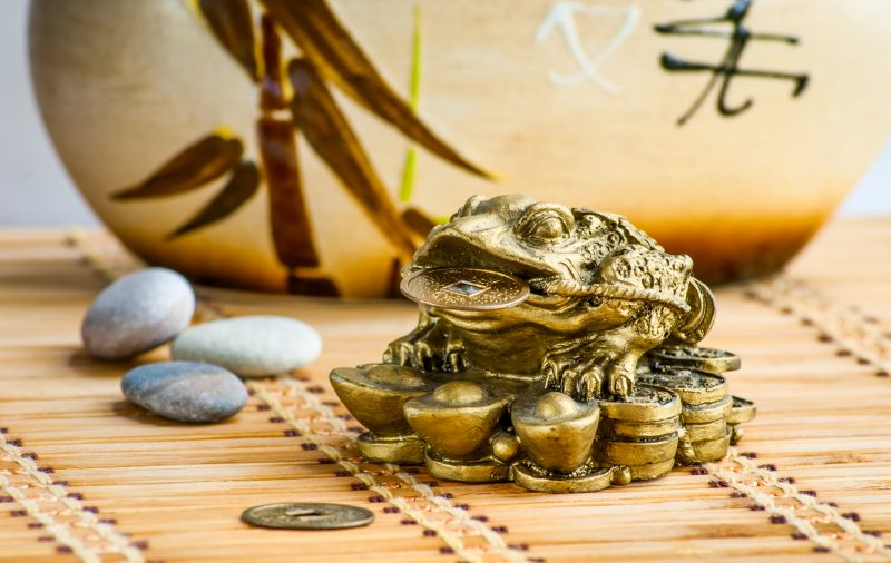 трехлапая жаба фен шуй